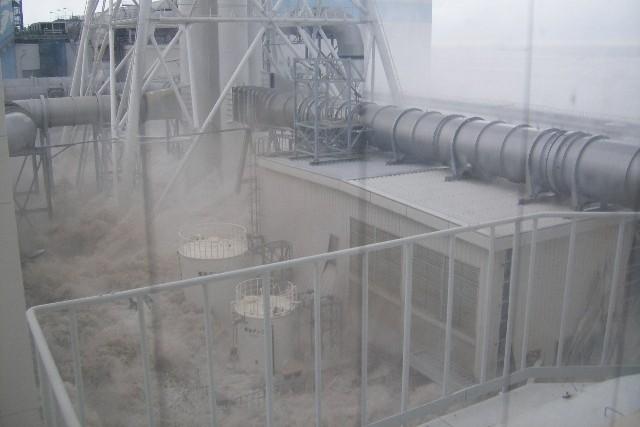 fukushima-akw-tsunami3