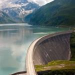 Wasserkraftwerk - Kraft des Wassers erzeugt Strom - Zechal | Fotolia.de